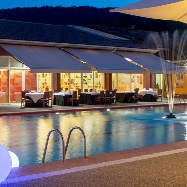 Sopars d'estiu a l'entorn de piscina de Can Xel